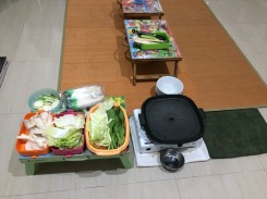 Meja belajar..eh meja makan juga sudah siap..