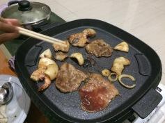 Daging sapi, udang, cumi dan ikan kami panggang